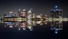 Detroit nocy linia horyzontu Zdjęcie Royalty Free