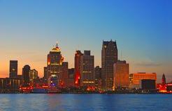 Detroit por puesta del sol Foto de archivo libre de regalías