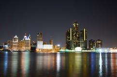 Detroit-Skyline nachts Stockfotos