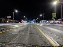 Detroit-Straßenwinternebel-Nachtlichter lizenzfreie stockfotografie