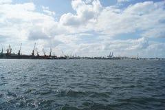 Detta är hur arbetet av hamnstaden ser som i morgonen fotografering för bildbyråer