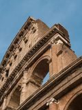 Dettagli architettonici del Colosseo a Roma immagini stock libere da diritti
