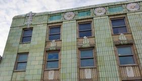 Dettagli decorati sulla costruzione commerciale di inizio del XX secolo Fotografia Stock Libera da Diritti