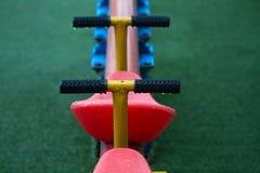 Dettagli del movimento alternato, attrezzatura all'aperto del gioco dei kid's Immagini Stock Libere da Diritti