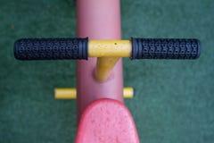 Dettagli del movimento alternato, attrezzatura all'aperto del gioco dei kid's Fotografie Stock Libere da Diritti