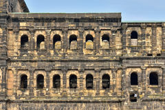 Dettagli del Nigra romano antico di Porta della fortezza in Treviri Fotografia Stock