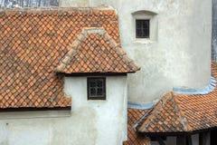 Dettagli dell'architettura di un castello nel villaggio di crusca immagini stock