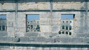 Dettagli dell'arena di Pola in Croazia stock footage