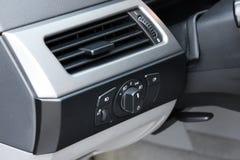 Dettagli dell'automobile Dettagli dell'interno dell'automobile immagini stock libere da diritti