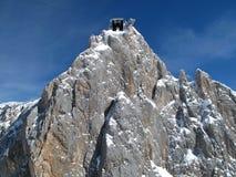 Dettagli della cabina di funivia che conduce al ghiacciaio di Dachstein fotografia stock