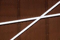 Dettagli della facciata di alluminio con i pannelli variopinti di Brown Fotografia Stock Libera da Diritti