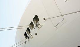 Dettagli delle corde di attracco di un transatlantico Immagine Stock Libera da Diritti
