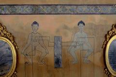 Dettagli delle pitture di massaggio di Art Mural Point al pho del wat immagine stock