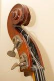 Dettagli di legno dello strumento del contrabbasso Fotografie Stock Libere da Diritti