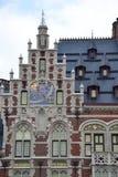 Dettagli di monumento storico lungo il Montagne de la Cour Hofberg a Bruxelles immagine stock