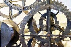 Dettagli di vecchio movimento a orologeria del diciannovesimo secolo nel museo del parco Mosca di Kolomensky fotografia stock