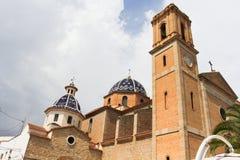 Dettagli la presa delle cupole blu della chiesa del punto di riferimento di Altea, Costa Blanca, Spagna immagine stock libera da diritti
