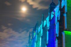 Dettagli la vista della basilica cattolica antica in Germania a nig fotografia stock libera da diritti