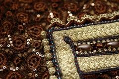 Dettagli marocchini del ricamo del caffettano di Brown Fotografia Stock