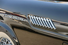 Dettagliando su Ford Thunderbird classico fotografie stock