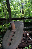 Dettaglio abbandonato della torre di olio immagine stock