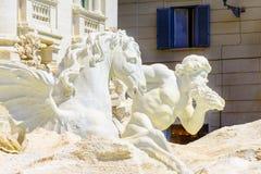Dettaglio architettonico della fontana di Trevi a Roma, Italia Fotografia Stock