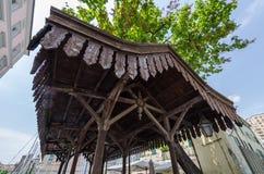 Dettaglio architettonico di una copertura di legno immagine stock libera da diritti