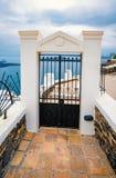 Dettaglio architettonico, porta, isola di Santorini in Grecia, una di destinazioni di viaggio pi? belle del mondo fotografia stock libera da diritti