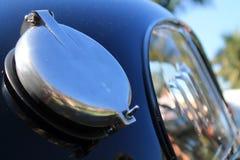 Dettaglio d'annata del cappuccio del combustibile della macchina da corsa di Ferrari Immagini Stock Libere da Diritti