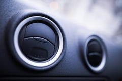 Dettaglio degli sfiatatoi dell'automobile immagini stock
