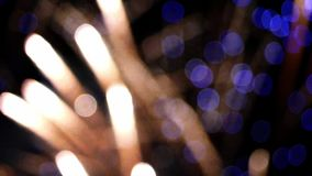 Dettaglio dei fuochi d'artificio unfocused Movimento lento video d archivio