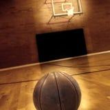Dettaglio del campo da pallacanestro e di pallacanestro Immagini Stock Libere da Diritti
