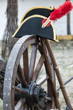 Dettaglio del cappello napoleonico sulla ruota di un canone fotografie stock libere da diritti