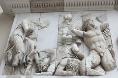 Dettaglio del fregio dell'altare di Pergamon nel Pergamon Museu Immagine Stock