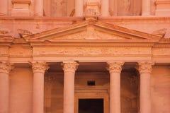 Dettaglio del frontone e dei capitali del Corinthian Immagini Stock Libere da Diritti