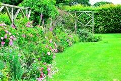 Dettaglio del giardino del cottage Fotografie Stock Libere da Diritti