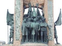 Dettaglio del monumento famoso della Repubblica al quadrato di Taksim a Costantinopoli fotografia stock libera da diritti