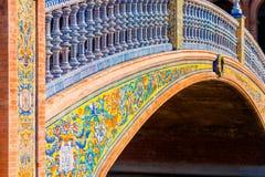 Dettaglio del ponte Tiled su Plaza de Espana Siviglia Spagna fotografia stock