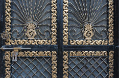 Dettaglio del portone decorativo della porta, India fotografie stock