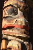 Dettaglio del totem palo, villaggio indigeno di san del ` di K, Hazelton, Columbia Britannica di Gitsan immagini stock libere da diritti
