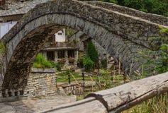 dettaglio dell'architettura di un ponte romanico fatto della parte posteriore dell'asino del secolo 17 Immagini Stock Libere da Diritti