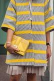 Dettaglio della borsa fuori delle sfilate di moda di Jil Sander che costruiscono per la settimana 2014 del modo di Milan Women Immagini Stock