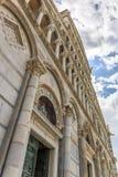 Dettaglio della cattedrale di Santa Maria Assunta al quadrato di Miracoli di dei della piazza a Pisa, Toscana, Italia fotografie stock