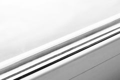 Dettaglio della finestra fatto dei profili del PVC fotografia stock libera da diritti