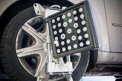 Dettaglio della macchina fotografica della macchina di allineamento di ruota Fotografia Stock Libera da Diritti