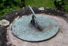 Dettaglio della meridiana del giardino Fotografia Stock