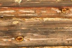 Dettaglio della parete di legno fatto dei ceppi fotografia stock
