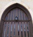 Dettaglio della porta gotica della chiesa di stile Fotografie Stock