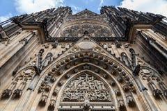 Dettaglio della st Vitus Cathedral da Front View a Praga, repubblica Ceca Fotografia Stock Libera da Diritti