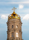 Dettaglio della torre della chiesa del segno in Dubrovitsy Fotografie Stock